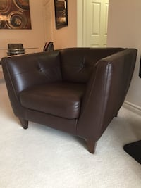 NATUZZI ITALIAN LEATHER COUCH AND CHAIR Burlington, L7L 6K9