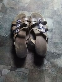 pair of brown leather sandals Talladega, 35160