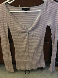 gray and pink v-neck long sleeve express