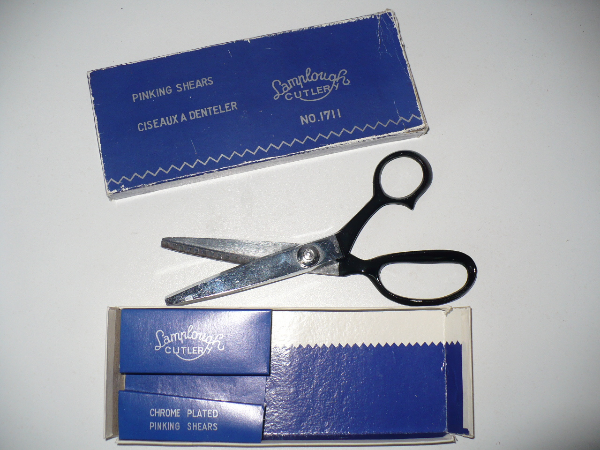 Pinking Shears / Seaming Siccors