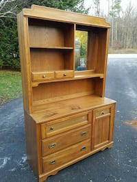 Dresser with Hutch and Mirror