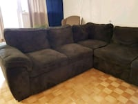 Brown fabric sectional couch Hamilton, L8P 1Y8