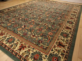 Traditional Green area rug NEW