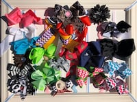 22 Hair Bows and Bow Holder