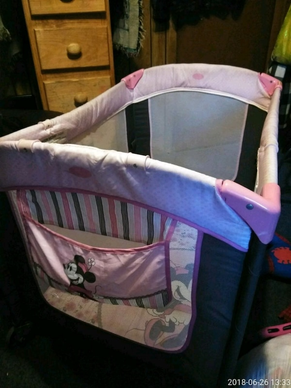 Minnie mouse pack n play