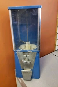 VINTAGE GUMBALL MACHINE by OAK Uniontown, 44685