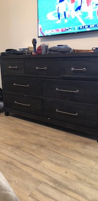 black wooden 6-drawer lowboy dresser Manhattan Beach, 90266