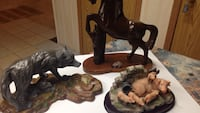 3 figurines. Horse. Wolve. Piglets  Camrose