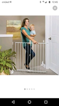 Swing and Lock Baby Gate -sells for 58$ Bailey's Crossroads, 22041