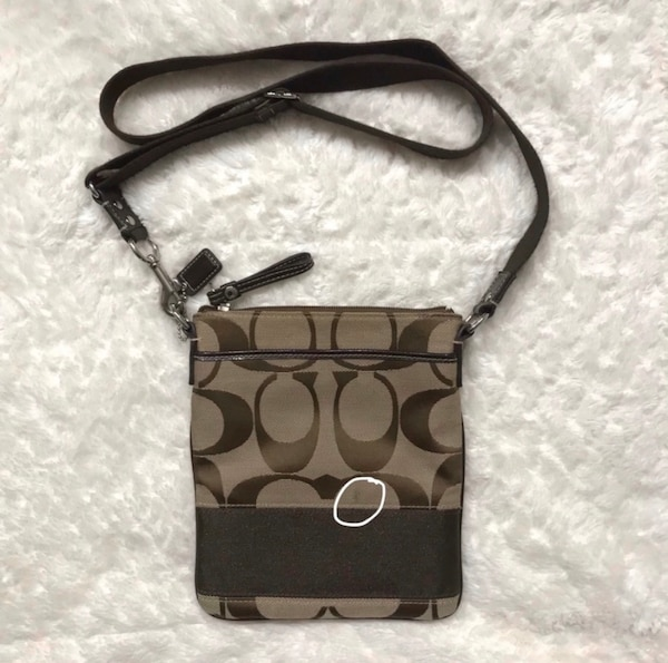 Coach Crossbody Bag 41742749-c874-45fa-a2a9-3373a7998129