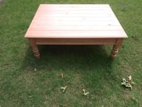 Solid wood coffee/patio table Oklahoma City, 73159