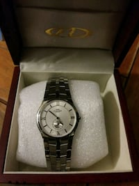round silver-colored analog watch with link bracelet 2271 mi