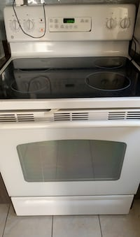 Like new stove  Toronto, M9N 1N5