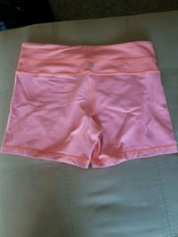 Lululemon shorts size 8 fit smaller  Brighton
