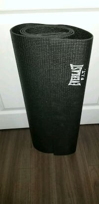 black and gray Everlast yoga mat Courtice, L1E 2G1