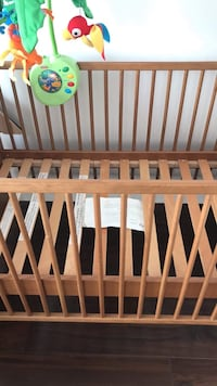 Ikea crib, four stages. Longueuil