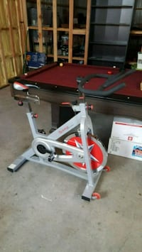 gray and red stationary bike Battle Ground, 98604