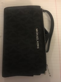 black and white leather wristlet Los Angeles, 90066
