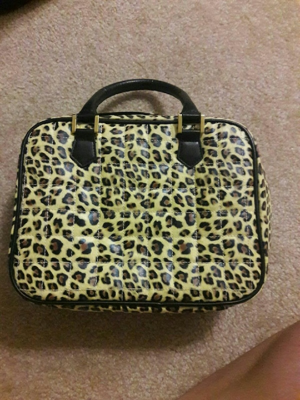 Jewelry bag (great for traveling ladies)