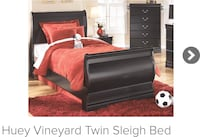 Kid sleigh bed (1 bed left)