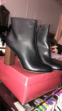 boots new size 8 Los Angeles, 90022