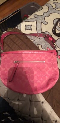 Like NEW Authentic Coach Handbag Manchester, 03109