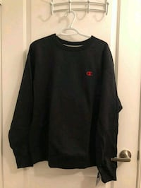 New Champion Sweater ( Large )  545 km