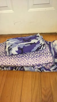 Fabric 25 for all. This bundle is very expensive Baltimore, 21206