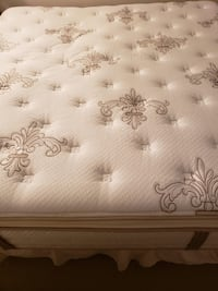Good quality mattress Stearns & Foster, king size , 02145