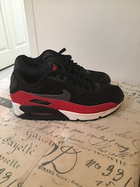 Air Max 90s Size 7.5 (Like new)