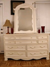 Nice solid wood dresser with 10 drawers and mirror Annandale, 22003