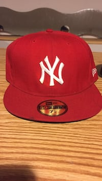 red and white New York snapback Rockford, 61109