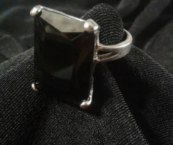 Large Black Gemstone Ring Size 8