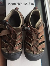 pair of brown leather sandals Chevy Chase, 20815