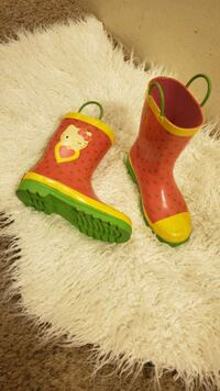 Water boots
