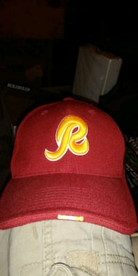 red and yellow fitted cap Des Moines, 50317
