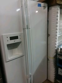 Samsung side by side refrigerator excellent condit Baltimore, 21223