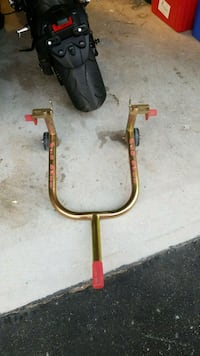 Pit bull motorcycle stand Mount Albert, L0G 1M0