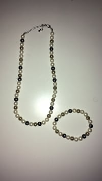 silver and black beaded necklace Kitchener, N2R 1T9