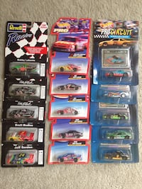 15 Hot Wheels & Revell 1:64 cars