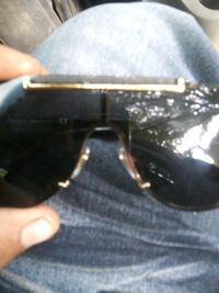 Versace sunglasses for 100 cost 220 Lubbock, 79411