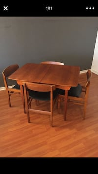Original Mid Century Modern Dinning Table w/built-in extender and 4 chairs Chicago, 60613