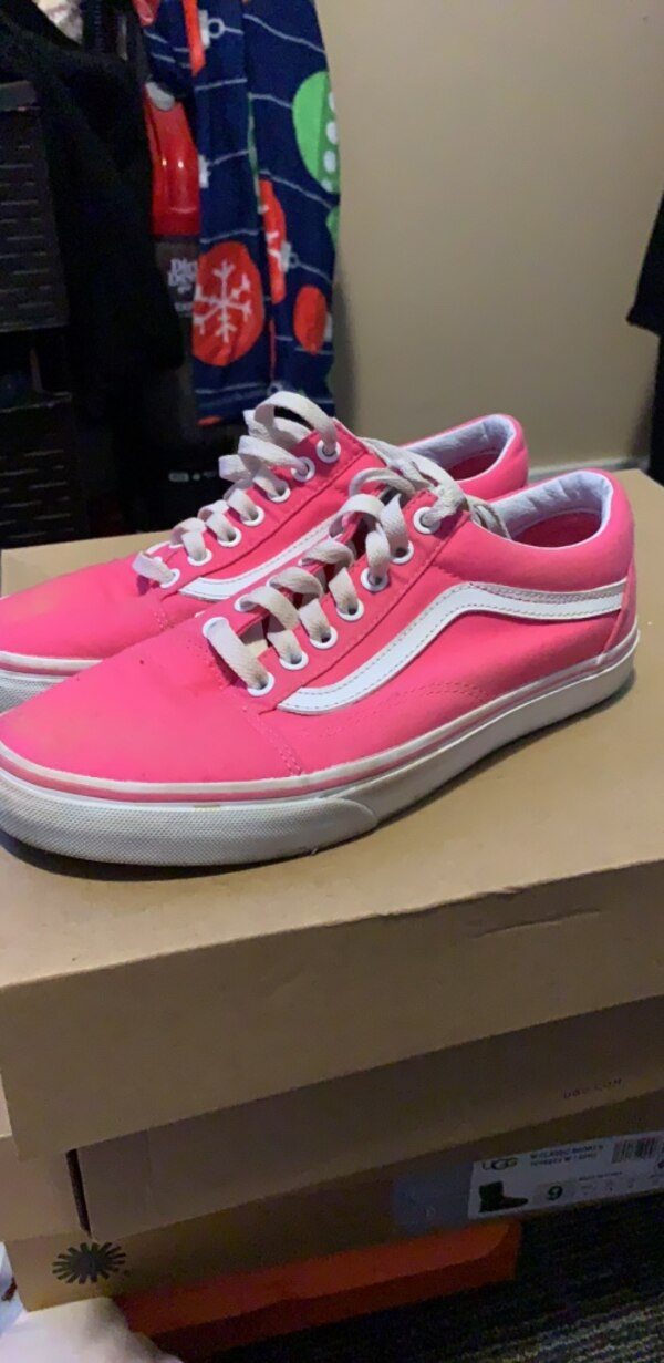 2ea39dd362c Used pink vans size 9.5 for sale in Redwood City - letgo