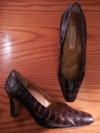 Made in italy leather shoes size 8 Toronto