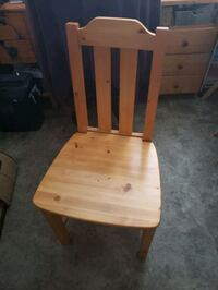 Pine chair Everett, L0M