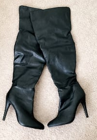 Size 7 boots New Orleans, 70130