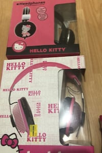 Néw Hello Kitty head phones with bling Laval, H7T 1C8