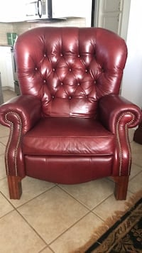 tufted brown leather sofa chair West Monroe, 71292