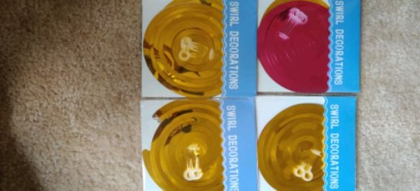 20 PC's swirl decorations.... 9
