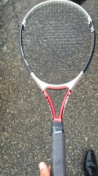 Black and gray tennis racket Toronto, M2H